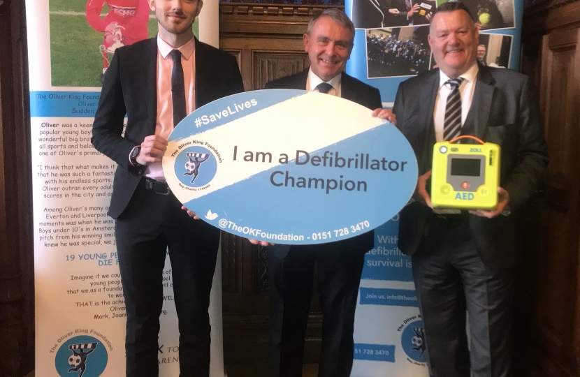 Robert Goodwill MP Joins Campaign for a Defibrillator at every School by 2020